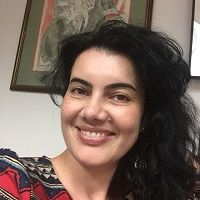 Clara Burghelea Headshot